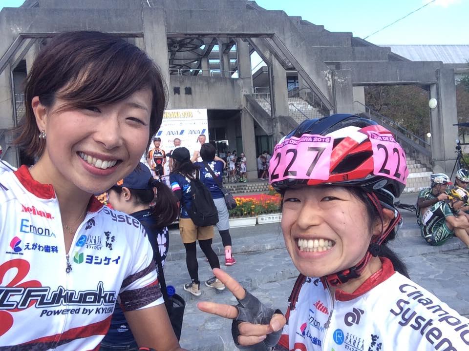 チームメイトの近藤由美と。