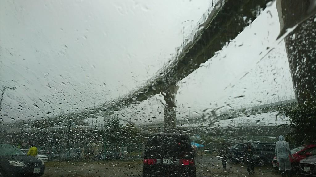 台風の影響により、C4より後のレースは中止に。